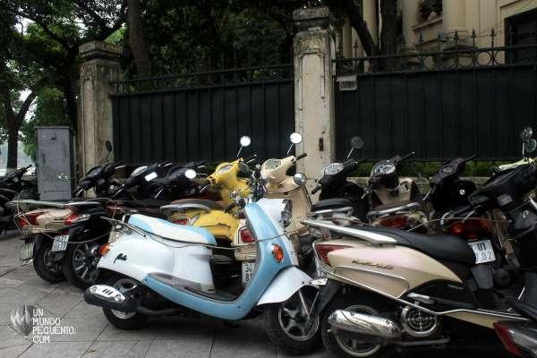 estacionamiento de motos en hanoi