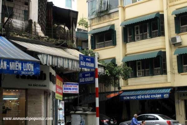 Old Quarter Hanoi cruce de calles