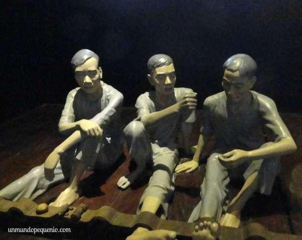 Prisioneros en Hoa Lo Prision