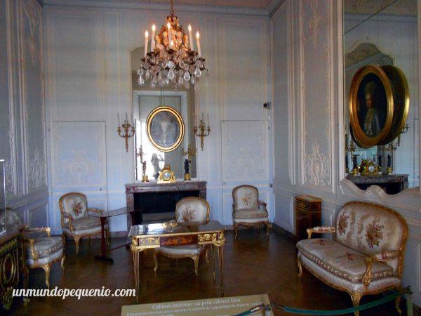 Sala de cortesanos en el Palacio de Versalles