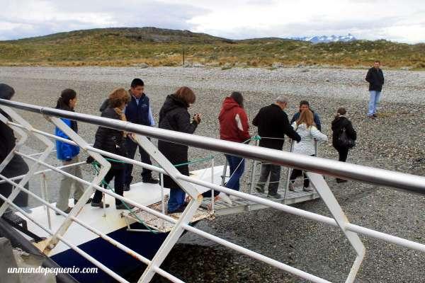 Turistas en la Isla Bridges
