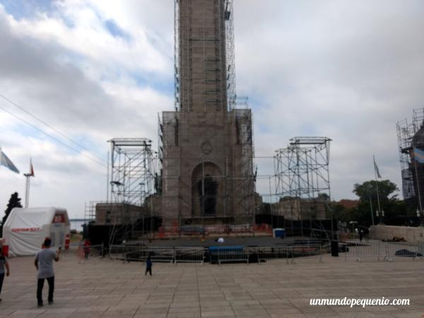 El monumento a la Bandera en obra