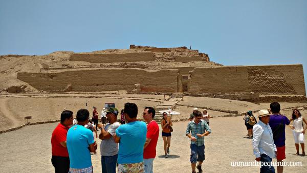 Turistas en el Templo del Sol