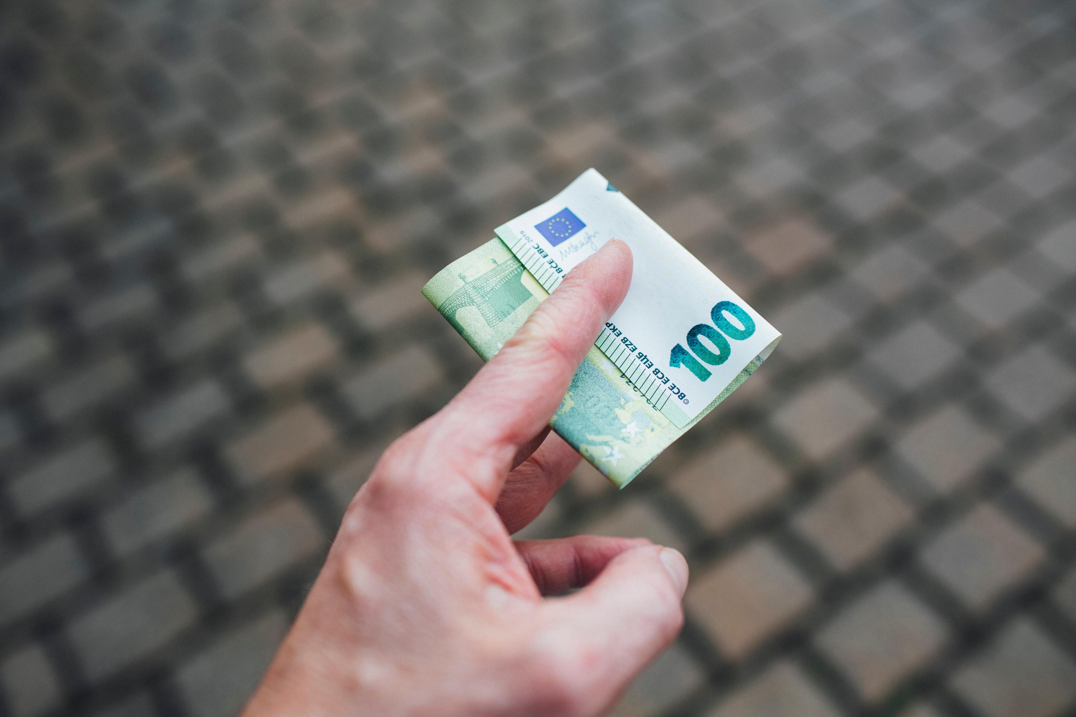 Gehaltserhöhung Zusatz Zum Vertrag : Trainee Gehalt So Viel Wirst Du Verdienen