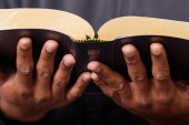 Crece el número de estados que promueven clases de «alfabetización bíblica» en escuelas públicas