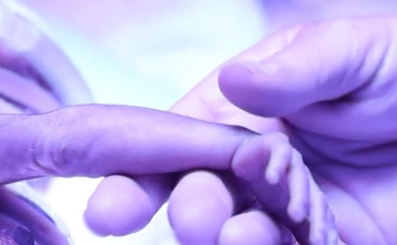Virginia demócrata admite que el proyecto de ley permite el aborto … incluso durante el parto