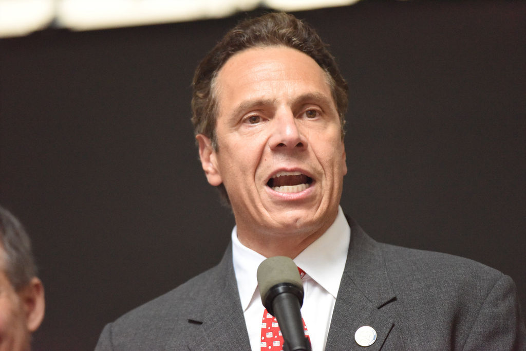 Gobernador de Nueva York jura expansión masiva de abortos el próximo mes