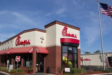 Restaurante cristiano Chick-fil-A cierra domingos y vende más que McDonald's en EE. UU.