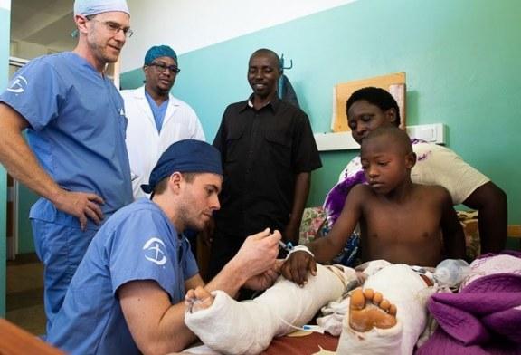 Médicos misioneros dicen que sienten «la presencia de Dios» durante cirugías