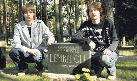 Lembit Oll - I figli sulla sua tomba (2007)