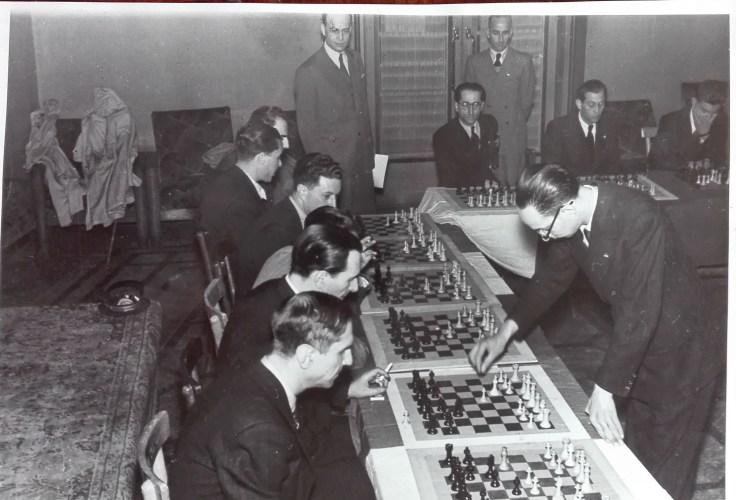 10 NESTLER 28 X 1942 ROMA