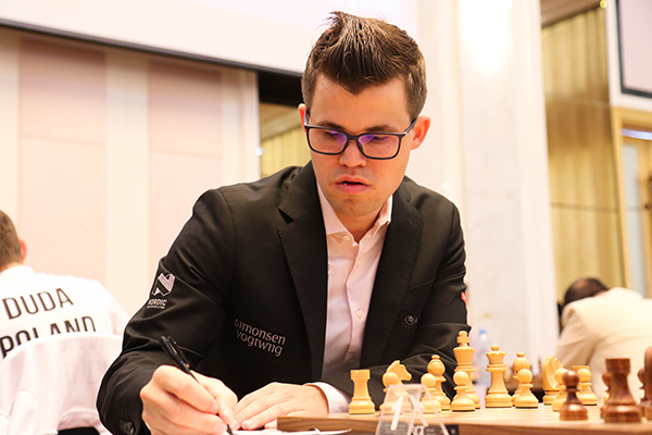 FIDE World CUP 2017 - R1 Carlsen (ruchess)