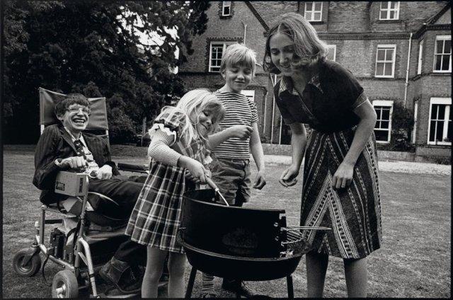 Stephen Hawking with Jane Wilde Hawking, Robert and Lucy, 1977