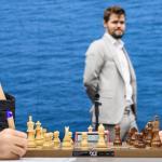 A WaZ Firouzja corre, Caruana tiene il passo, Carlsen deve rimontare