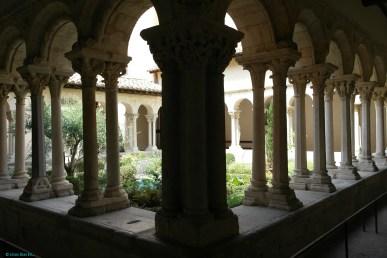 Cathedrale Saint Sauveur, Cloister