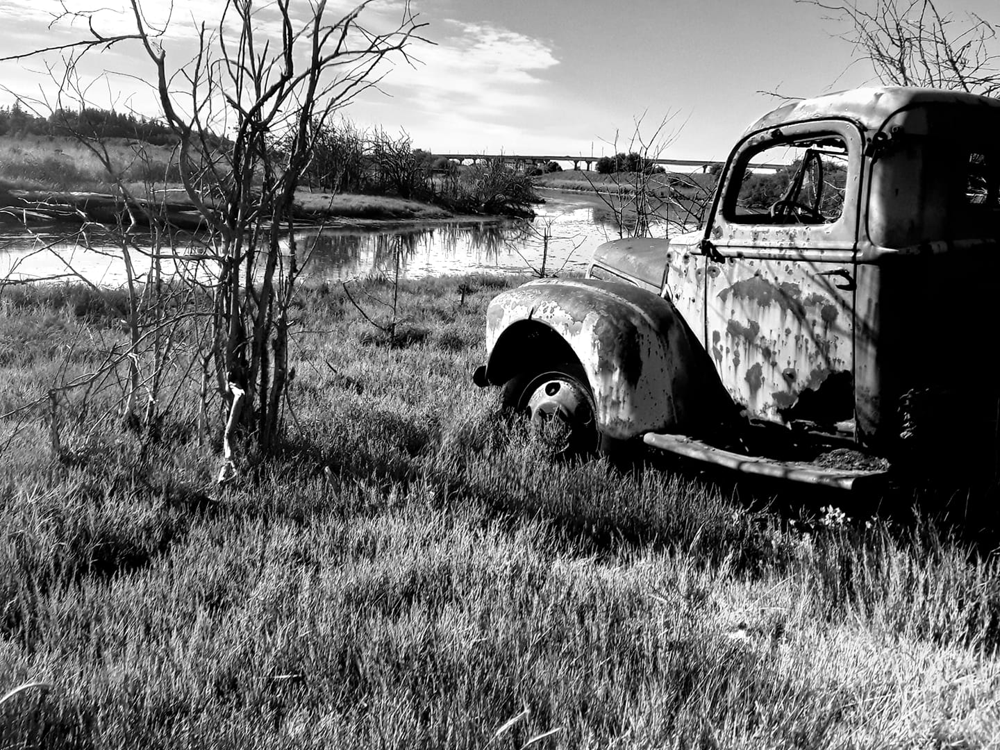 Abandoned truck in black and white by Kyle Williams 2020