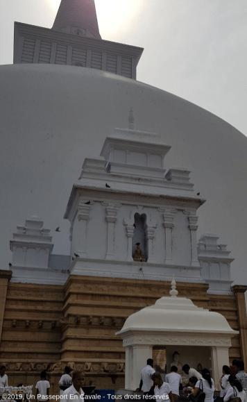 Copyright2019_Un_Passeport_En_Cavale_Sri_Lanka_Les_Jours_De_Poya_Tous_Droits_Reserves_009