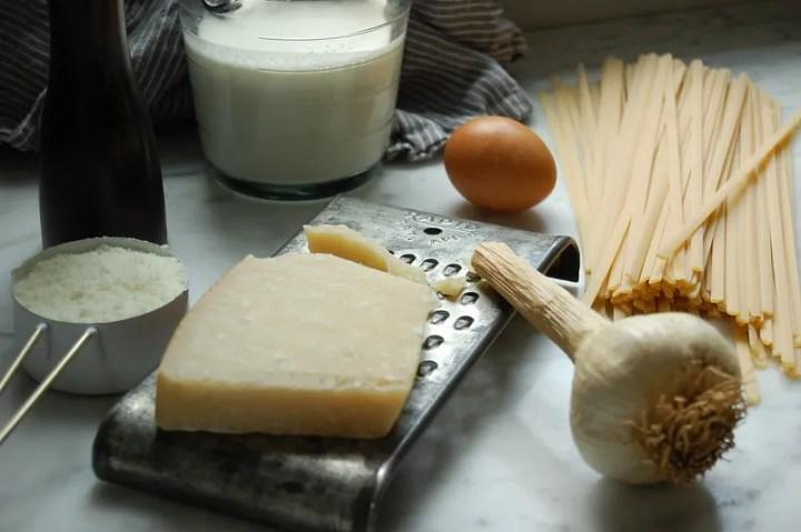 ingredients cream parmesan garlic pasta egg pepe pepper