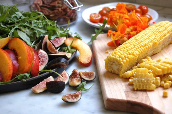 summer salad ingredients corn peaches figs pecans