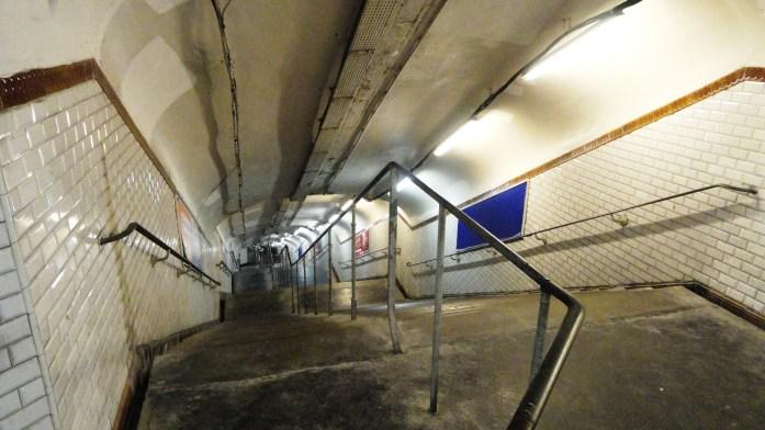 La ligne 3 bis - Station Porte des Lilas, Escaliers