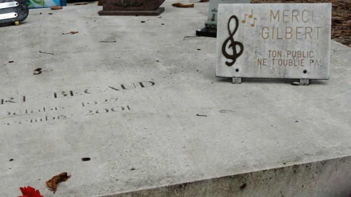 Le cimetière du Père Lachaise - Tombe de Gilbert Bécaud