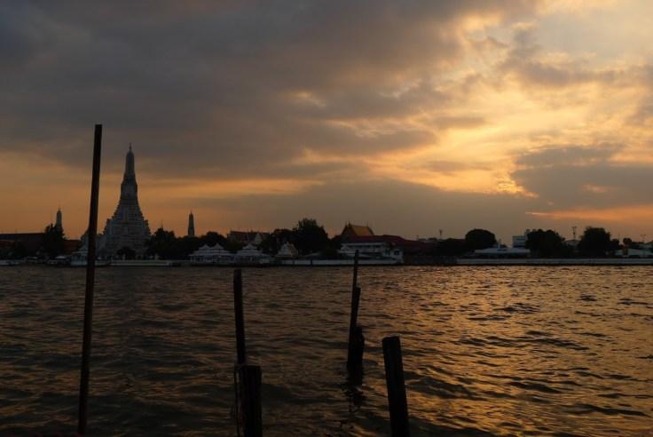 Sunset sur le temple de l'Aube