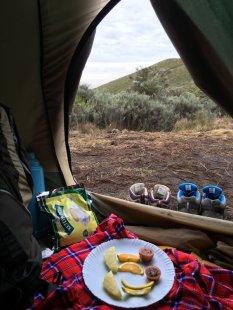petit-dej-sous-la-tente-ascension-mount-kenya