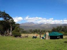 vue-sur-mount-kenya-et-ses-sommets