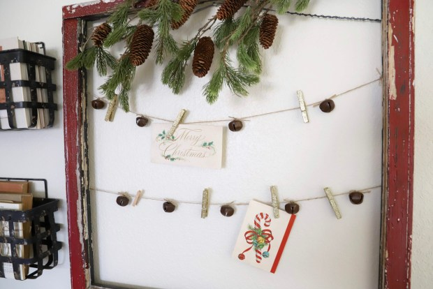Cute ideas for displaying Christmas cards. Farmhouse style. vintage window ideas.
