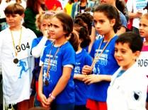 Niños con la medalla