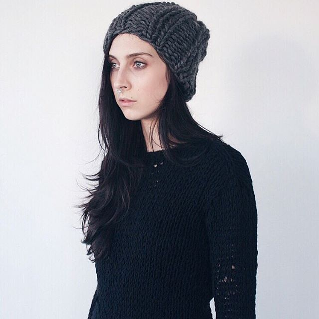 chunky-beanie-and-net-sweater