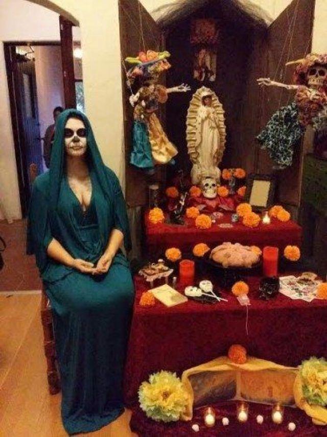 Sarah-T.-portrait-with-altar-e1446864942609