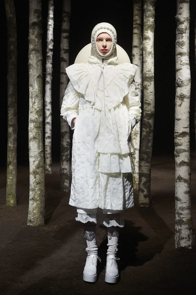 00001-MONCLER-SIMONE-ROCHA-2019-READY-TO-WEAR