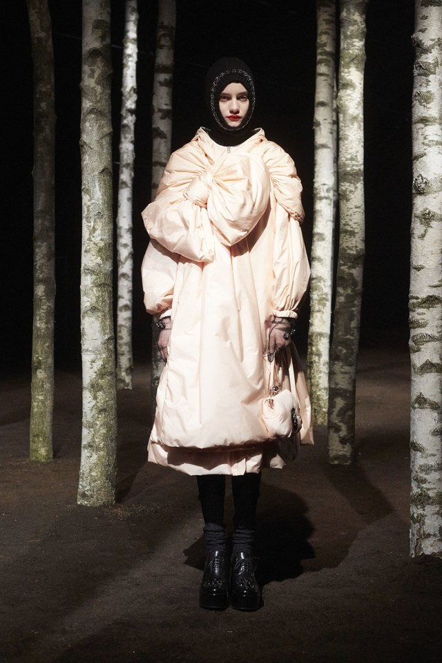 00003-MONCLER-SIMONE-ROCHA-2019-READY-TO-WEAR