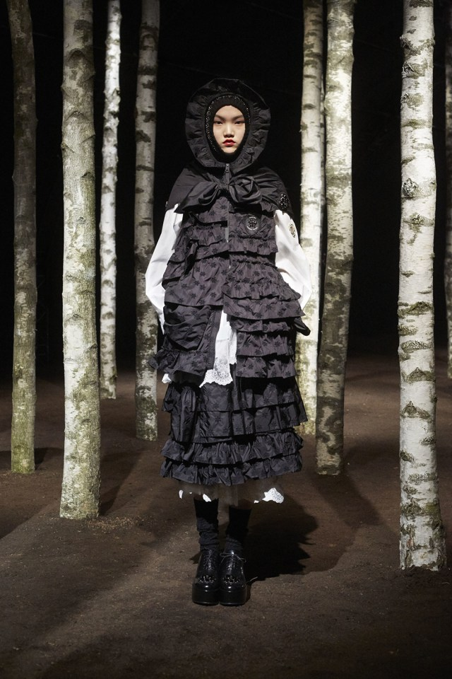 00009-MONCLER-SIMONE-ROCHA-2019-READY-TO-WEAR