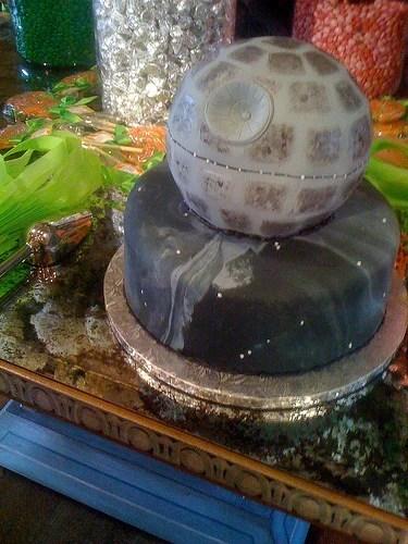 deathstar-cake.jpg