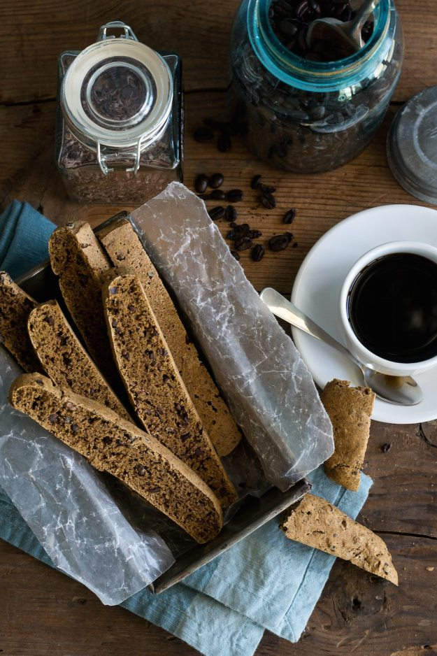 Oil-free Vegan Coffee Cacao Biscotti by An Unrefined Vegan