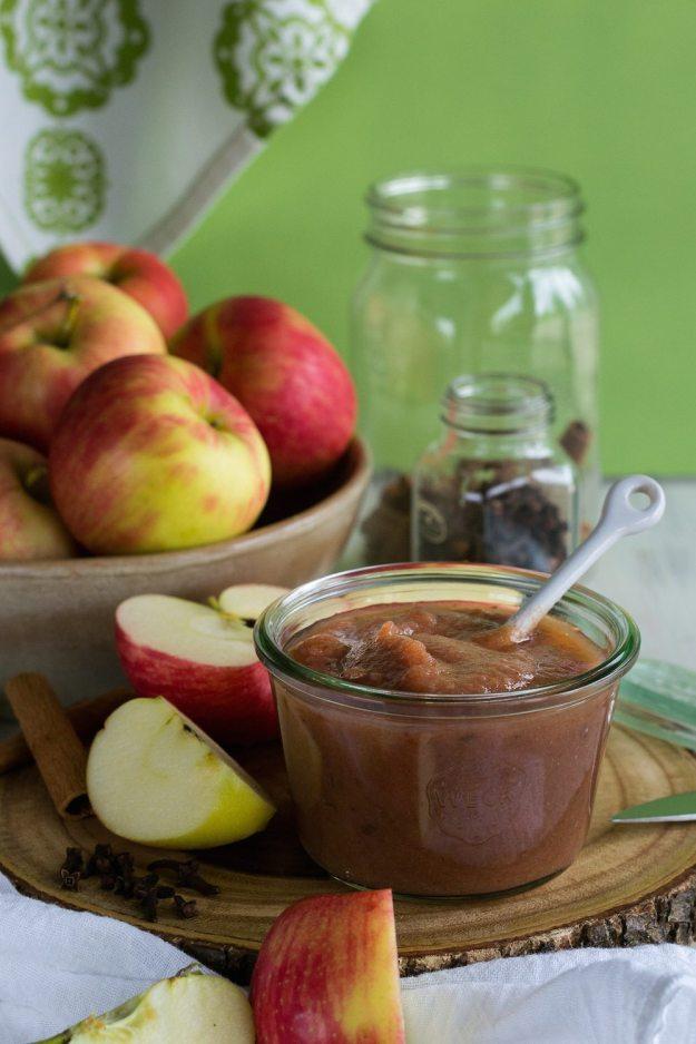 Sugar-free Vegan Apple Butter by An Unrefined Vegan