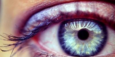 Ojo humano de color azul, ¿qué es el daltonismo?