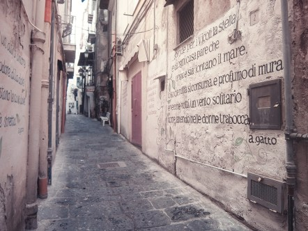 Poetry on walls (Salerno)