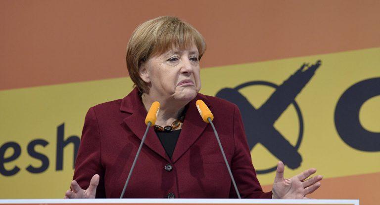 Merkel und die Union schmieren in Umfragen ab