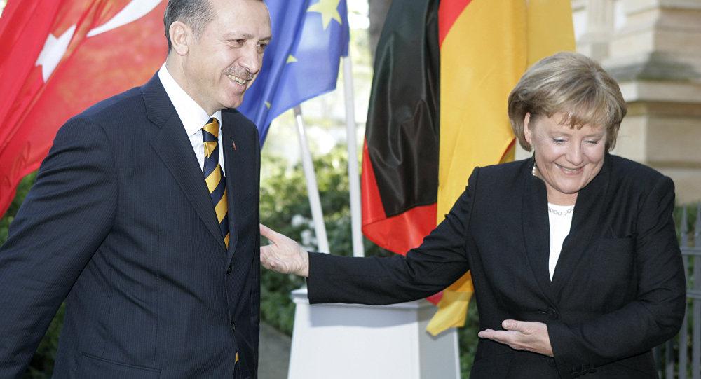 Merkel versprach 2016, jährlich bis zu 250.000 Asylbewerber aufzunehmen
