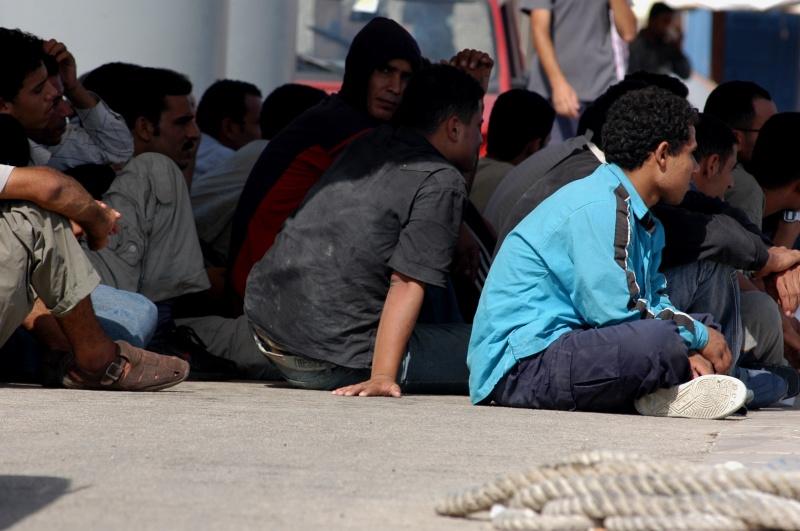 """Merkel soll 30.000 Flüchtlinge mehr aufnehmen, """"um Wähler zurückzugewinnen"""""""