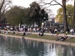 Köln: Tausende junger Menschen protestieren gegen Maskenpflicht