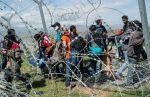 Tausende von illegalen Migranten sitzen auf dem Balkan fest