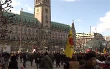 JA!-Aktion für den Volksentscheid vor dem Rathaus, Do 19.9., 12 Uhr
