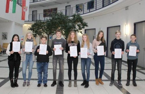 Schülerinnen und Schüler erhalten erste Einblicke in die Berufswelt