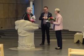 Foto von Helmut Klinkhammer & Ralph Hövel die Dankesworte sn Ute Brümmer richten