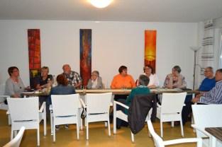 Bild: Teilnehmer in der Gesprächsrunde