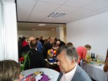 Bild: viele Besucher im Raum